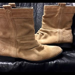 Skechers Tan Suede Slouch Ankle Boots Size…